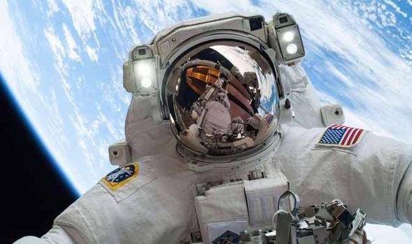 astronaut-450836